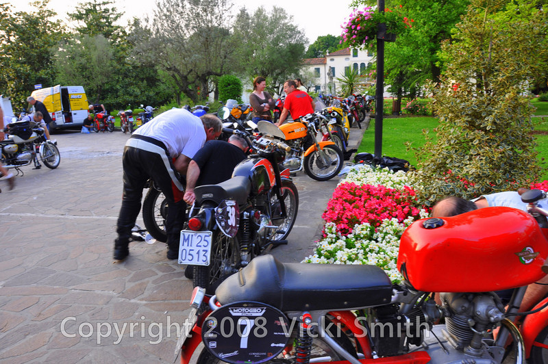 The end of the day the bikes roll in in a pack from the square, much last minute looking over, than it's off to the showers and dinner at 9
