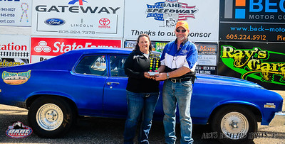 Jeri Ann Vines, Eagle Butte, SD  - Sportsman Winner