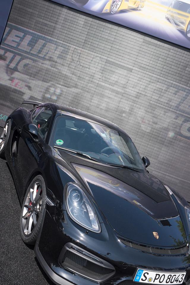 New Cayman GT4