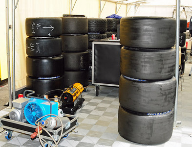 Lola Aston Martin LMP1 garage 05