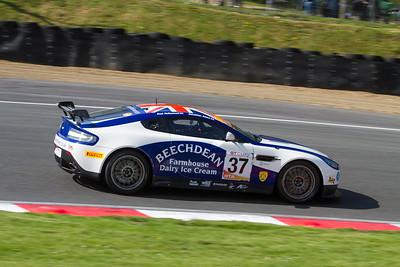 Aston Martin Vantage V8 GT4