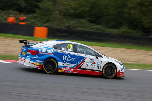 Toyota Avensis (Tom Ingram)