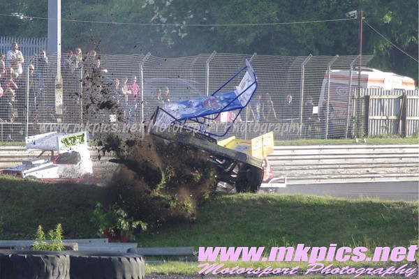 V8 Hot Stox Gold Cup