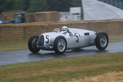 1936 - Auto Union Type C (Alan McNish)