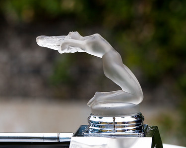 Backward Leaning Nude By René Lalique