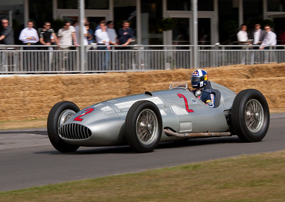 1938 - Mercedes-Benz W154 (David Coulthard)