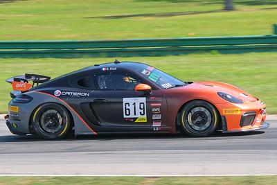 Porsche Cayman GT4 02