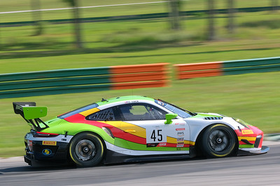 Porsche Cayman GT4 05