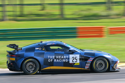 Aston Martin GT4 02