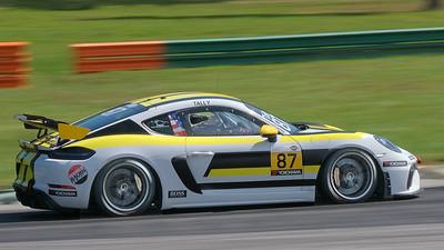 Porsche Cayman GT4 10