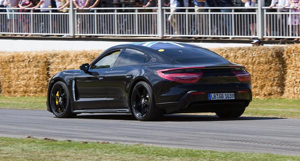 2019 - Porsche Taycan