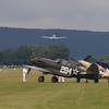 1941 - Curtiss P-40F Warhawk & 1941 - Curtiss P-40B Warhawk
