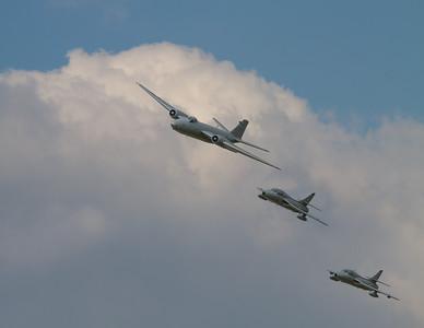 1959 - English Electric Canberra PR9 & 1958 - Hawker Hunters