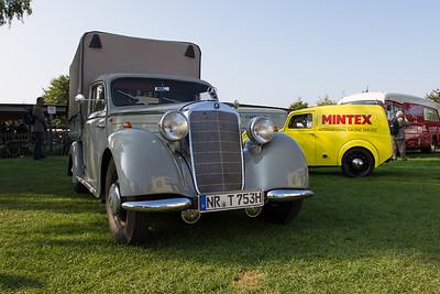 Mercedes-Benz Car Transporter