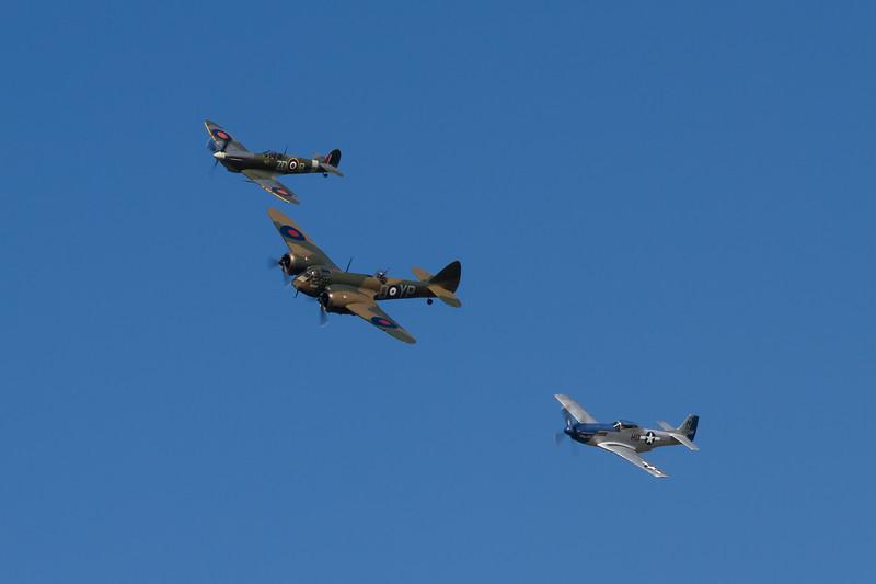 "1934 Bristol Blenheim Mk 1 / 1944 North American P-51D Mustang ""Moonbeam"""