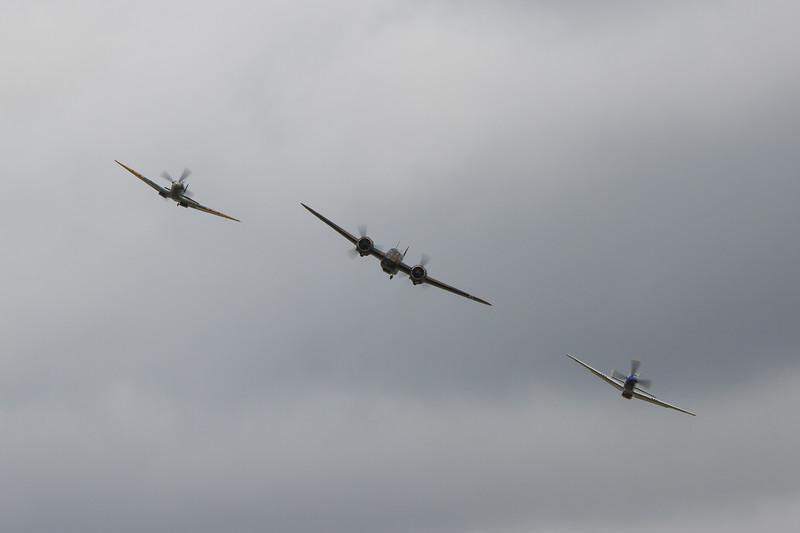 "1934 - Bristol Blenheim Mk 1 / 1944 - North American P-51D Mustang ""Moonbeam"""