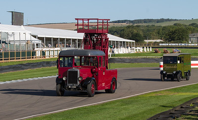 1933 - Leyland Titan TD2 Tower Wagon