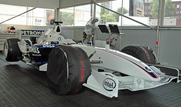 BMW F1 car 05