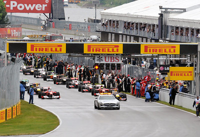 F1 Race Sunday 01