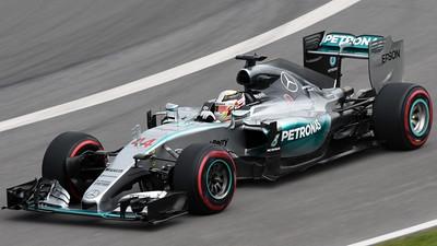 Lewis Hamilton Mercedes 01