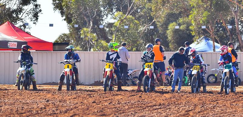 Sunday race meet