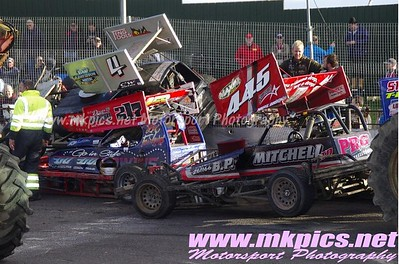 BriSCA F1 Shoot out round 8
