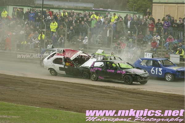 Banger Racing, Foxhall Stadium, Ipswich 5 April 2010