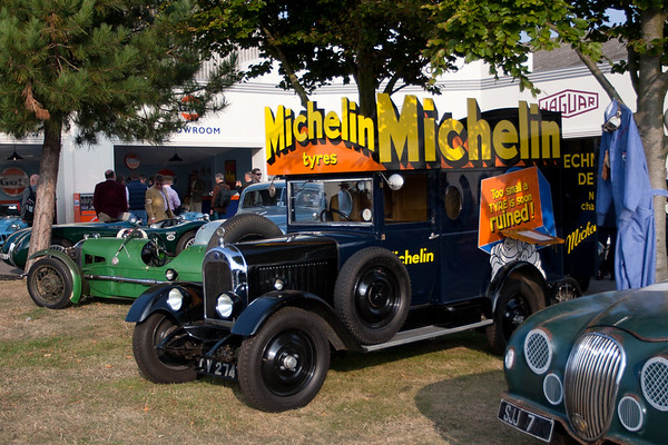 "1930 Morris Light Van ""Michelin Tires Service"""