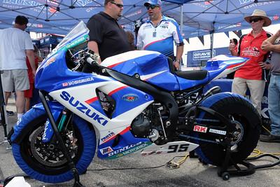 Suzuki superbike 01