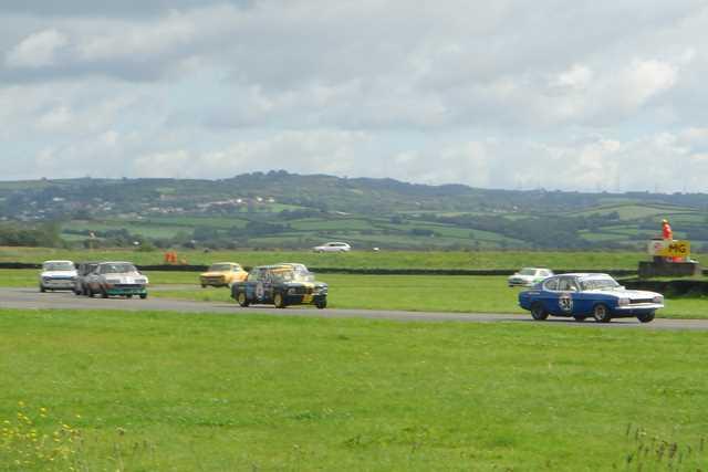 David Thomas leads Roger Stanford, David Hall, Mark Osborne and Steve Primett round Dibeni on the first lap.