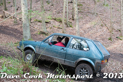 D30_3044 - No. 4, David  HAZELDEN / Jack  SELWOOD,: VW  Golf - Section 8 Far Bank