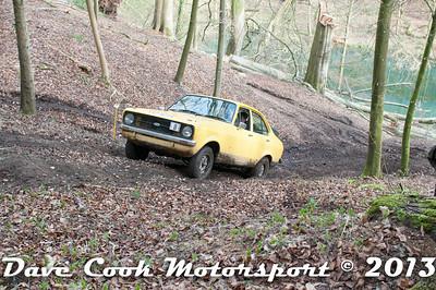 D30_2915 - No. 8, Mark  LINFORTH / Joe  BROWN: Ford  Escort - Section 8 Far Bank