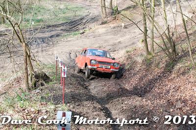 D30_2863 - No. 6, Kelly  and Jenny  THOMAS: Ford  Escort - Section 2 Beechwood