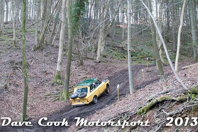 D30_3138 - No. 14, Ian  MOSS / Glenice  COVENTRY: Hillman  imp - Best Stroud - Section 8 Far Bank