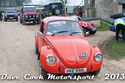 D30_2709 - No. 23, Derek THOMSON: VW  Beetle - Start