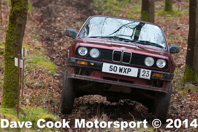 D30_3410 - Retired  No. 23, Matt  FACEY / Hollie  Wood:  Class 3 BMW  316