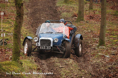 Winner of Class 8, Dean Partington, in his D.P. Wasp on Jack, on of only four cars to clear the Hill