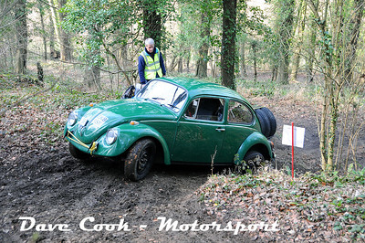 D30_3521 - Martin and Rosie Grindrod in their Class 3 Beetle