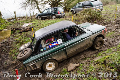 DSC_5454 - Nigel and Gemma Weeks - Class 4 Hillman Imp