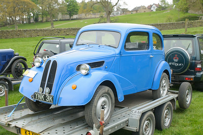 D30_9575 -  No. 71, Clive Kalber / Anna Williams:  Class 7 Ford Pop
