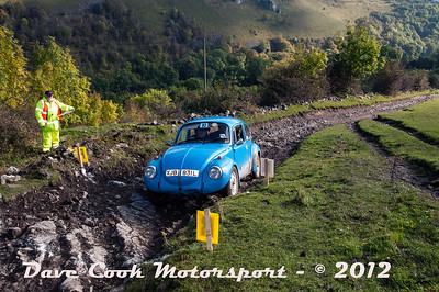 No. 093 Neal Vile and Christle Davey, Class 4, 1285cc VW Beetle