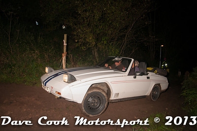 D30_9988 - David and Anna Robinson; Reliant Scimitar SS1