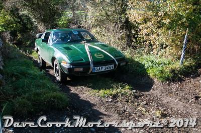 D30_8355 -  No. 146, Simon  Hendra / Andrew  Crewes:  Class 5 Triumph  TR7