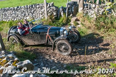D30_8413 -  No. 154, Stuart  Roach / Jo  Matthews:  Class 5 HRG