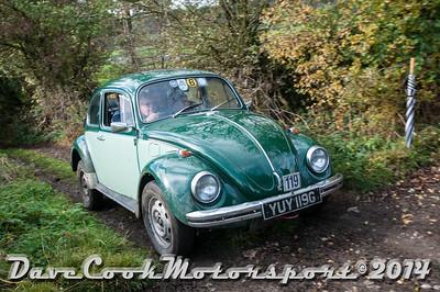 D30_8241 -  No. 119, Mike  Wills / Mark  Hawkswood; Matt Wills:  Class 6 VW  Beetle
