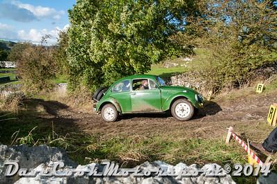 D30_8468 -  No. 156, Sam  Holmes / Chris  Wood:  Class 4 VW  Beetle