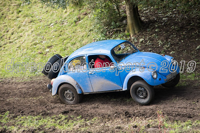 D50_2150 -  No. 210, Andrew and Lorraine Rippon:  Class 6 VW Beetle