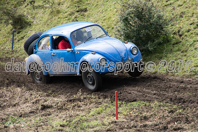 D50_2148 -  No. 210, Andrew and Lorraine Rippon:  Class 6 VW Beetle