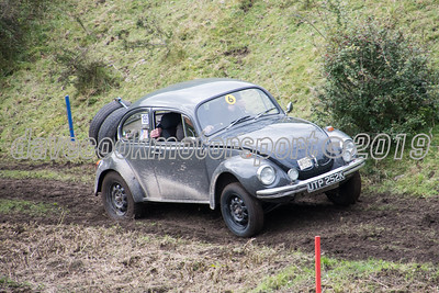 D50_2001 -  No. 196, Jack and Colin Clarke:  Class 6 VW Beetle