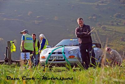 DSC_0495 No. 99, Nigel Jones & Dave Hunt, Class  6 - MGF, Dave having a good look at my  second Camera